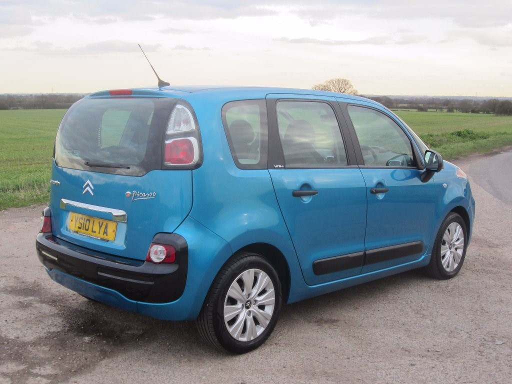 citroen c3 picasso in wickham bishops essex compucars. Black Bedroom Furniture Sets. Home Design Ideas