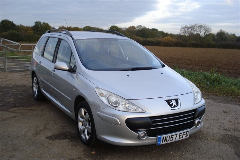 used Peugeot 307 SW HDi S 5dr in wickham-bishops-essex