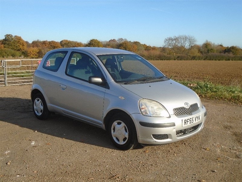 used Toyota Yaris VVT-i T2 3dr in wickham-bishops-essex