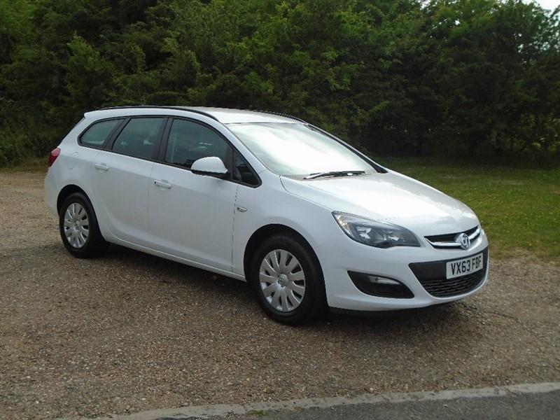 used Vauxhall Astra CDTi ecoFLEX 16v Exclusiv 5dr (start/stop) in wickham-bishops-essex