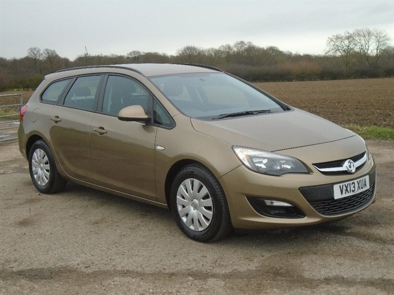 used Vauxhall Astra 1.3 CDTi ecoFLEX 16v Exclusiv (s/s) 5dr in wickham-bishops-essex