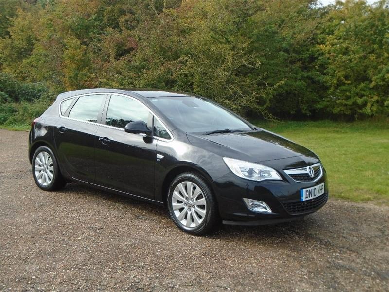 used Vauxhall Astra CDTi 16v SE 5dr in wickham-bishops-essex