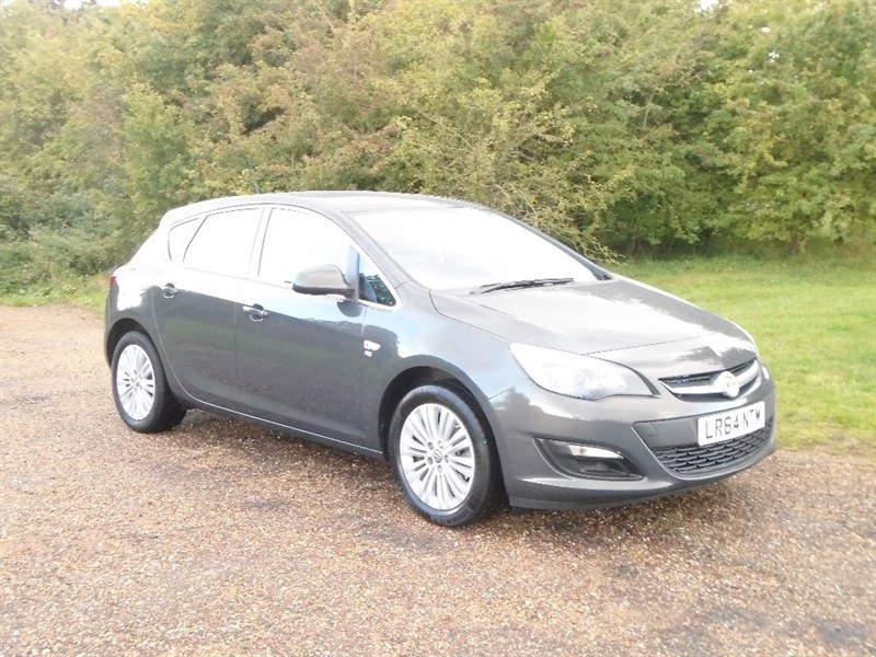 used Vauxhall Astra CDTi Excite 5dr in wickham-bishops-essex
