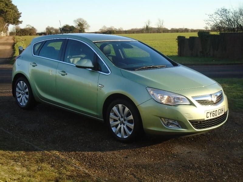 used Vauxhall Astra i VVT 16v Elite 5dr in wickham-bishops-essex
