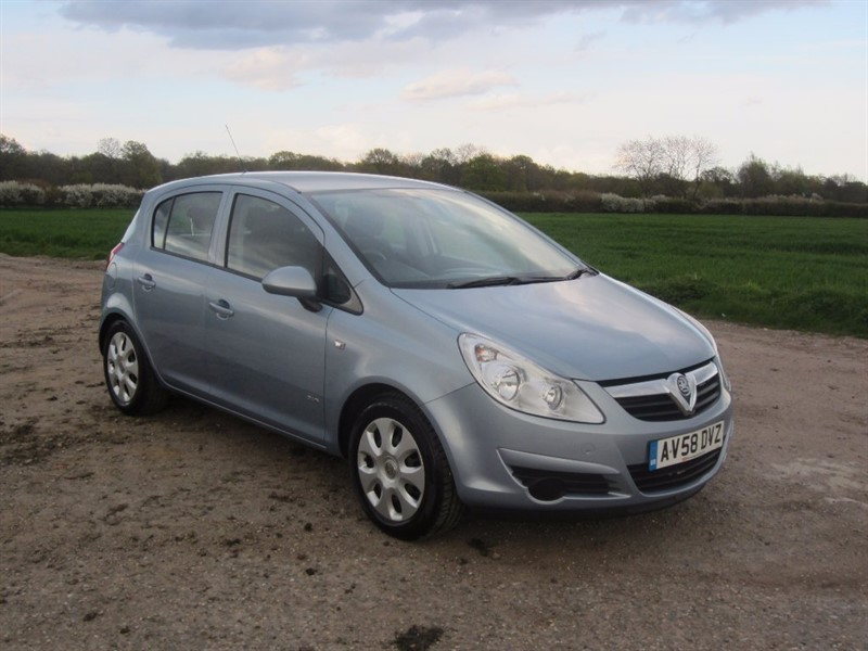 used Vauxhall Corsa i 16v Club 5dr in wickham-bishops-essex