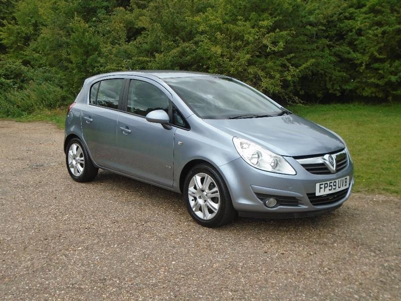 used Vauxhall Corsa 1.2 i 16v Design 5dr (a/c) in wickham-bishops-essex
