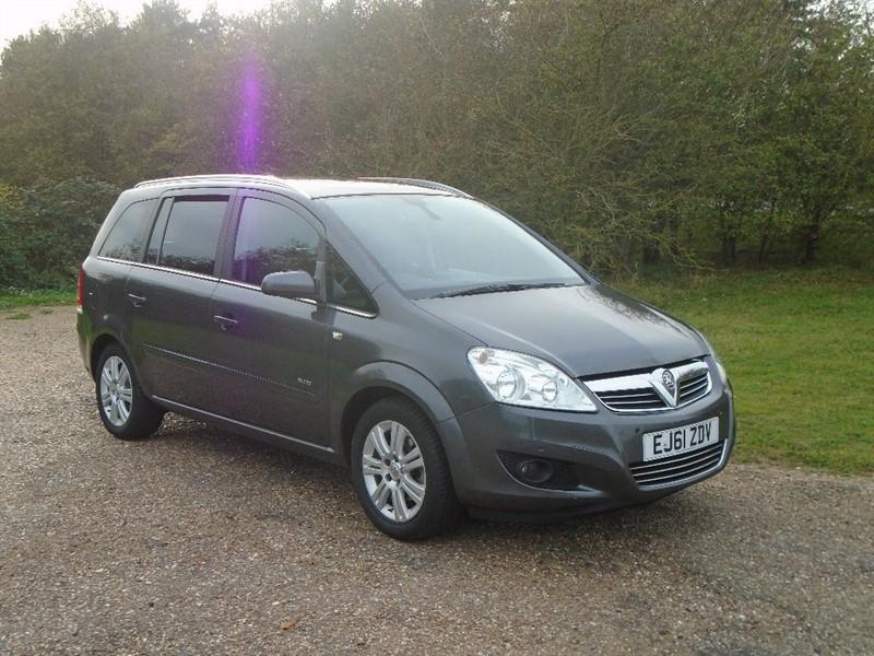 used Vauxhall Zafira i VVT 16v Elite 5dr in wickham-bishops-essex