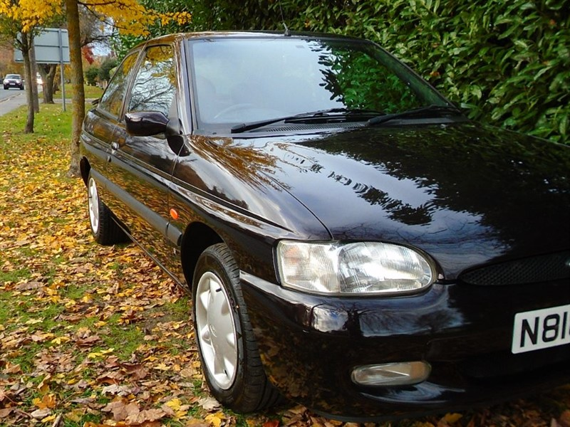 used Ford Escort SI in witham-essex