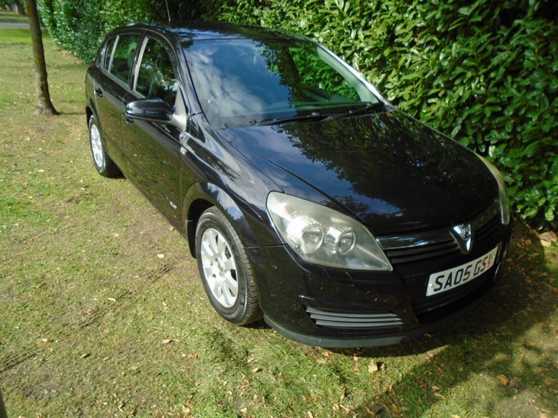 used Vauxhall Astra CLUB 16V TWINPORT in witham-essex