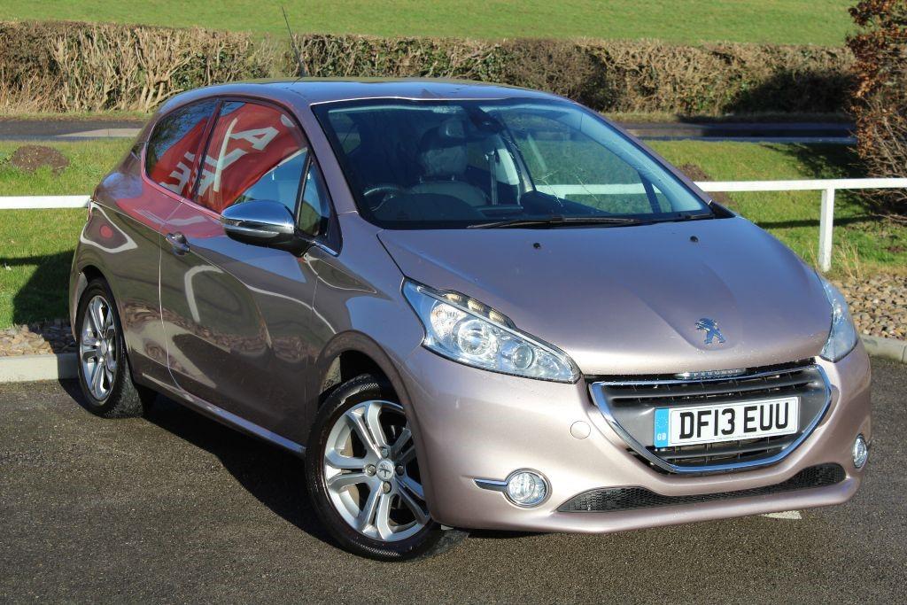 used Peugeot 208 ALLURE in in-lowdham