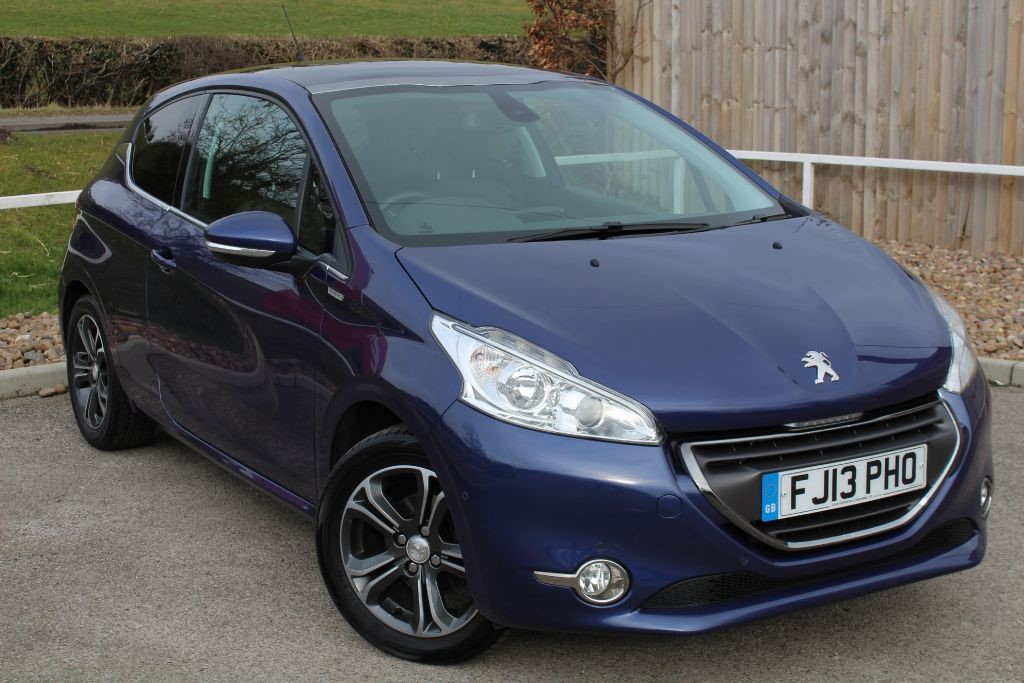 used Peugeot 208 INTUITIVE in in-lowdham