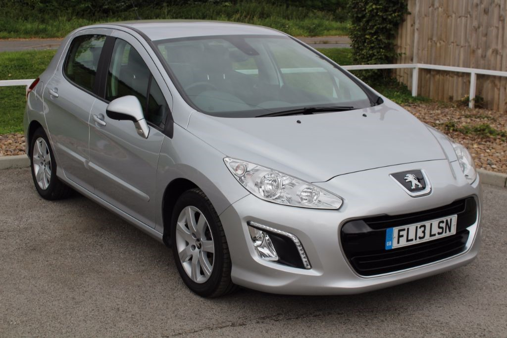 used Peugeot 308 HDI ACTIVE in in-lowdham