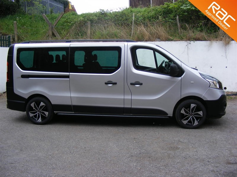 used Renault Trafic LL29 BUSINESS ENERGY DCI 9 SEAT MINIBUS EURO 6 in nottinghamshire