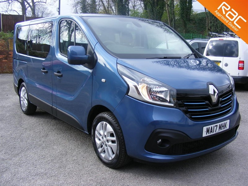 used Renault Trafic SL27 SPORT ENERGY DCI SAT NAV/MEDIA PACK 9 SEATS ULEZ COMPLIANT in nottinghamshire
