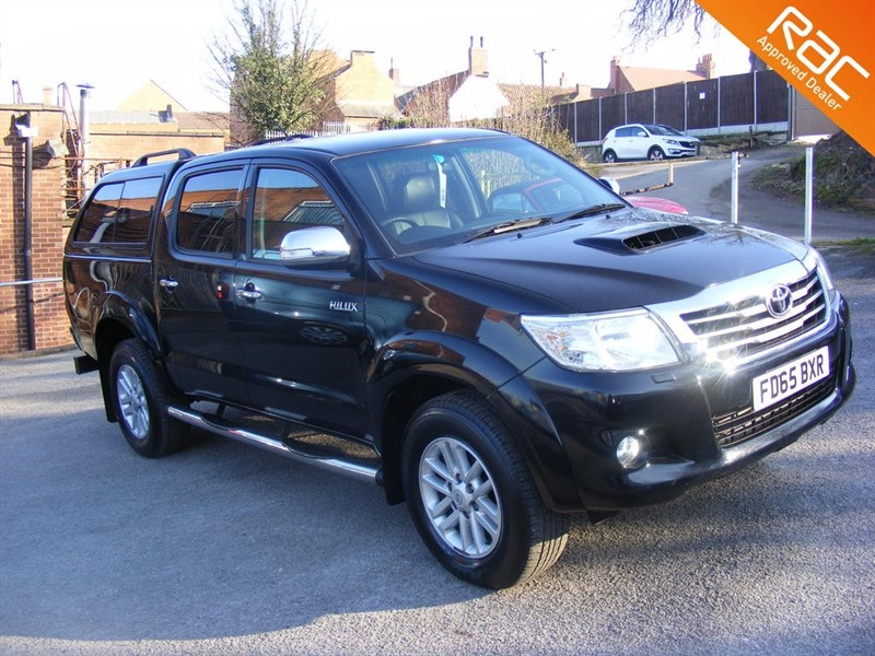 used Toyota Hilux INVINCIBLE 4X4 D-4D D/CAB AUTO in nottinghamshire