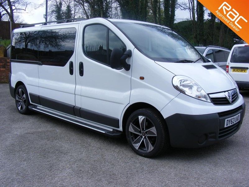 used Vauxhall Vivaro COMBI CDTI 9 SEAT MINIBUS WITH STYLE PACK in nottinghamshire