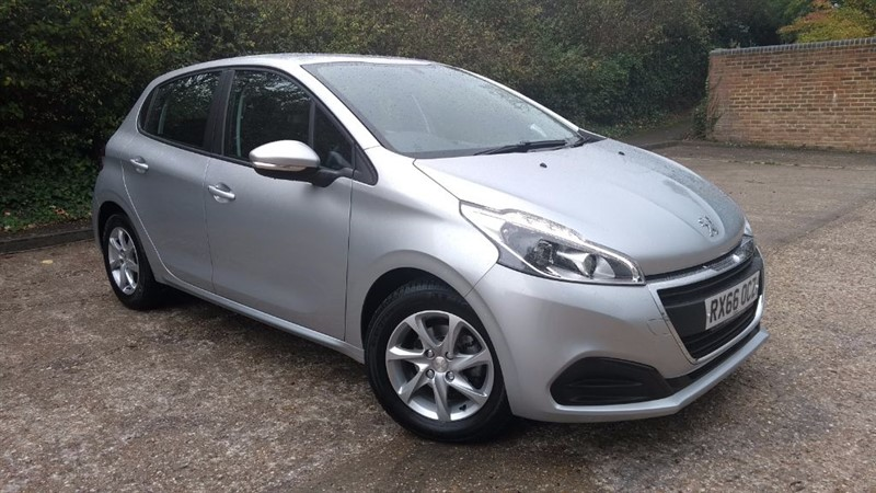 used Peugeot 208 ACTIVE in hampshire
