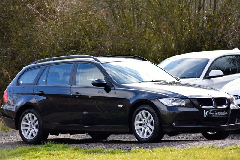 used BMW 318i 2006/56 SE TOURING MANUAL in essex