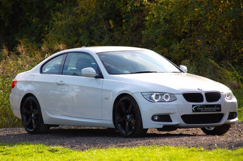 used BMW 320i 2011/11 320 M SPORT COUPE MANUAL in essex