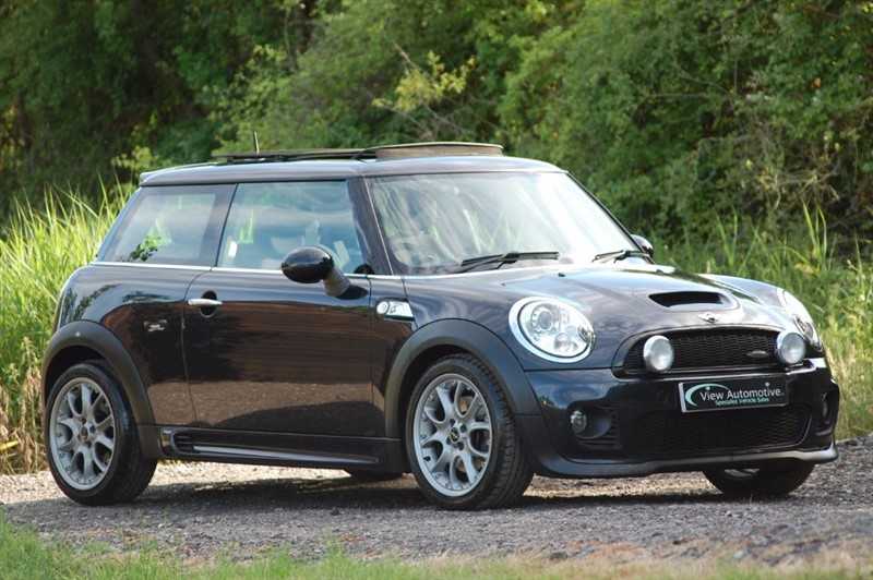 used MINI Hatch 2008/58 JOHN COOPER S WORKS 1.6 PETROL  in essex