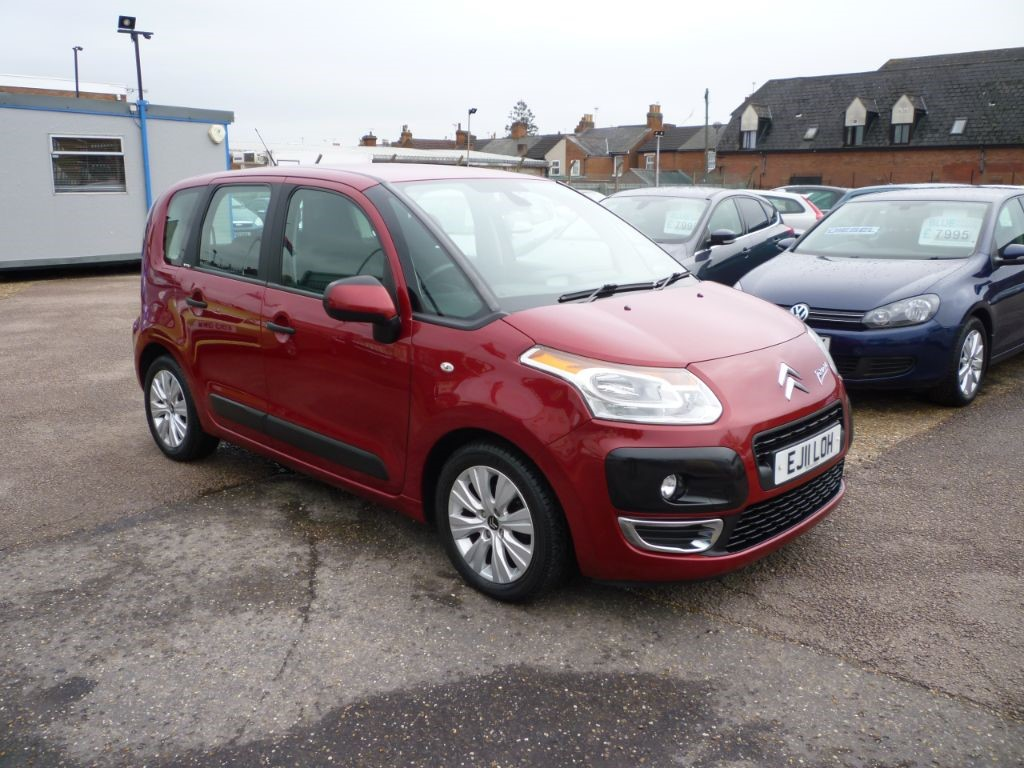 used Citroen C3 Picasso 1.6 Connexion HDI in in-colchester-and-essex