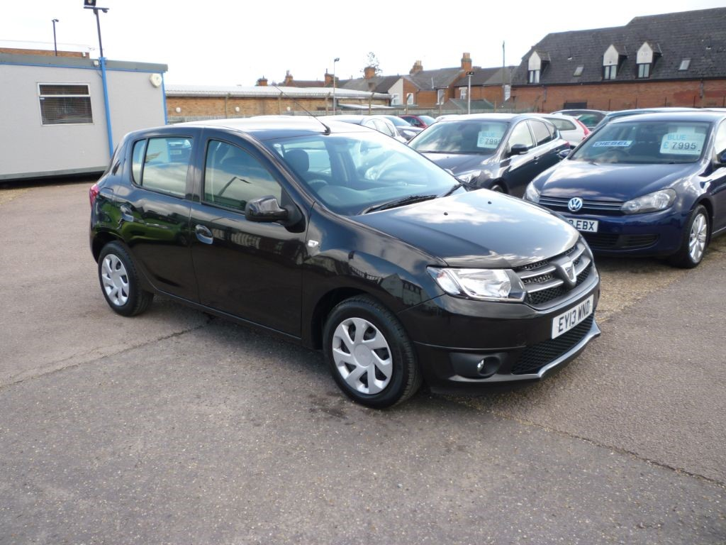 used Dacia Sandero 1.1 Laureate 5Dr in in-colchester-and-essex