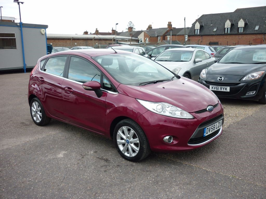used Ford Fiesta 1.4 Zetec 5Dr in in-colchester