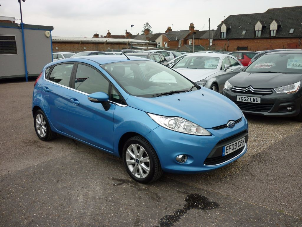 used Ford Fiesta 1.2 Zetec 5Dr Alloys in in-colchester