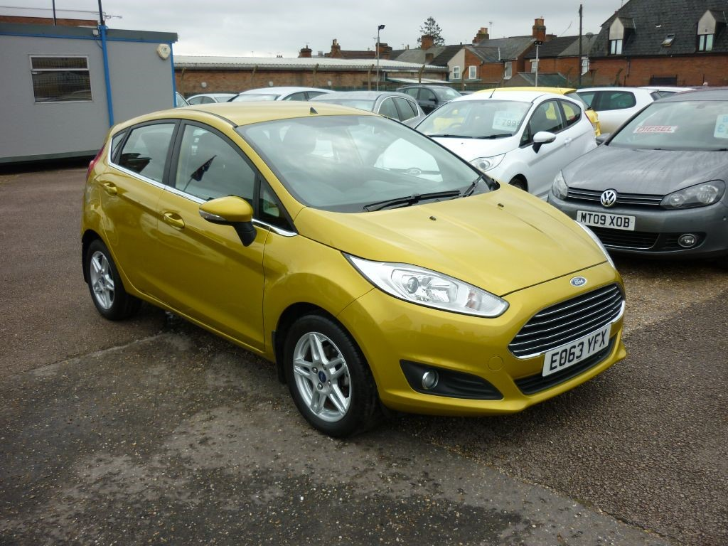 used Ford Fiesta 1.2 Zetec 5Dr Low mileage in in-colchester-and-essex