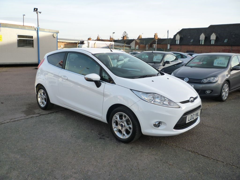 used Ford Fiesta 1.2 Zetec 3Dr Low mileage in in-colchester-and-essex