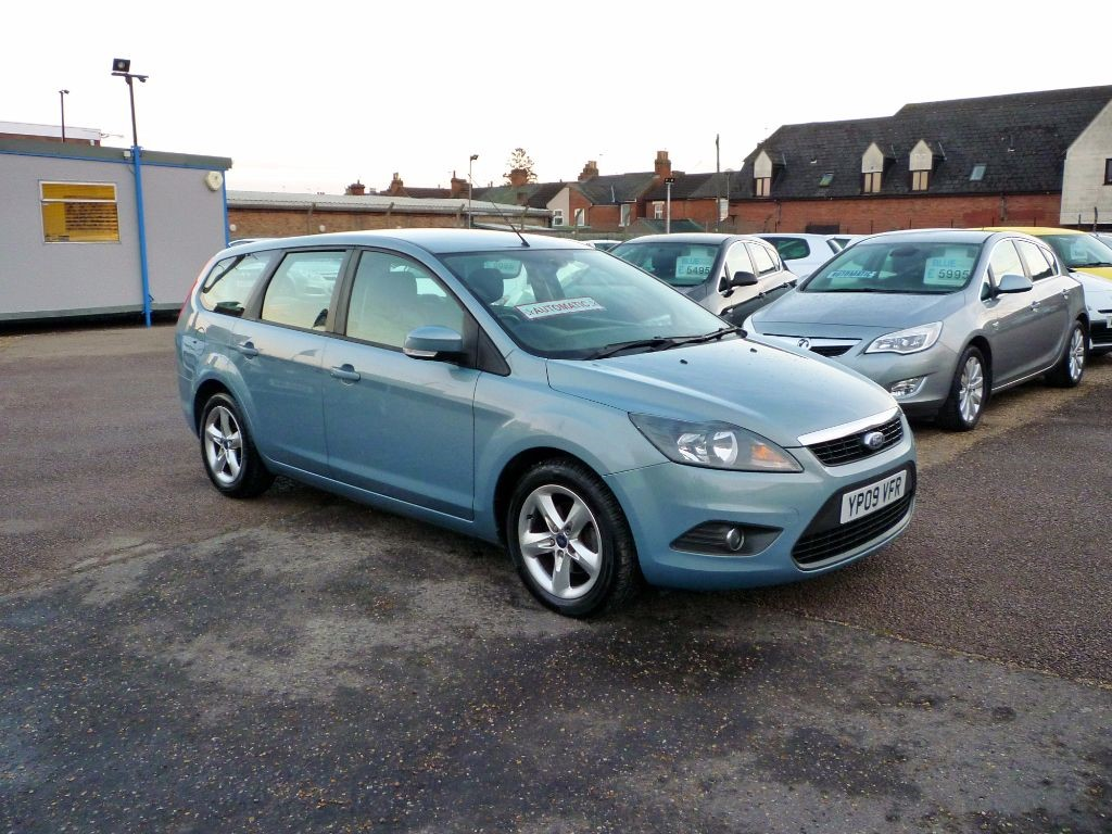 used Ford Focus 1.6 Zetec 5Dr Estate Automatic in in-colchester-and-essex