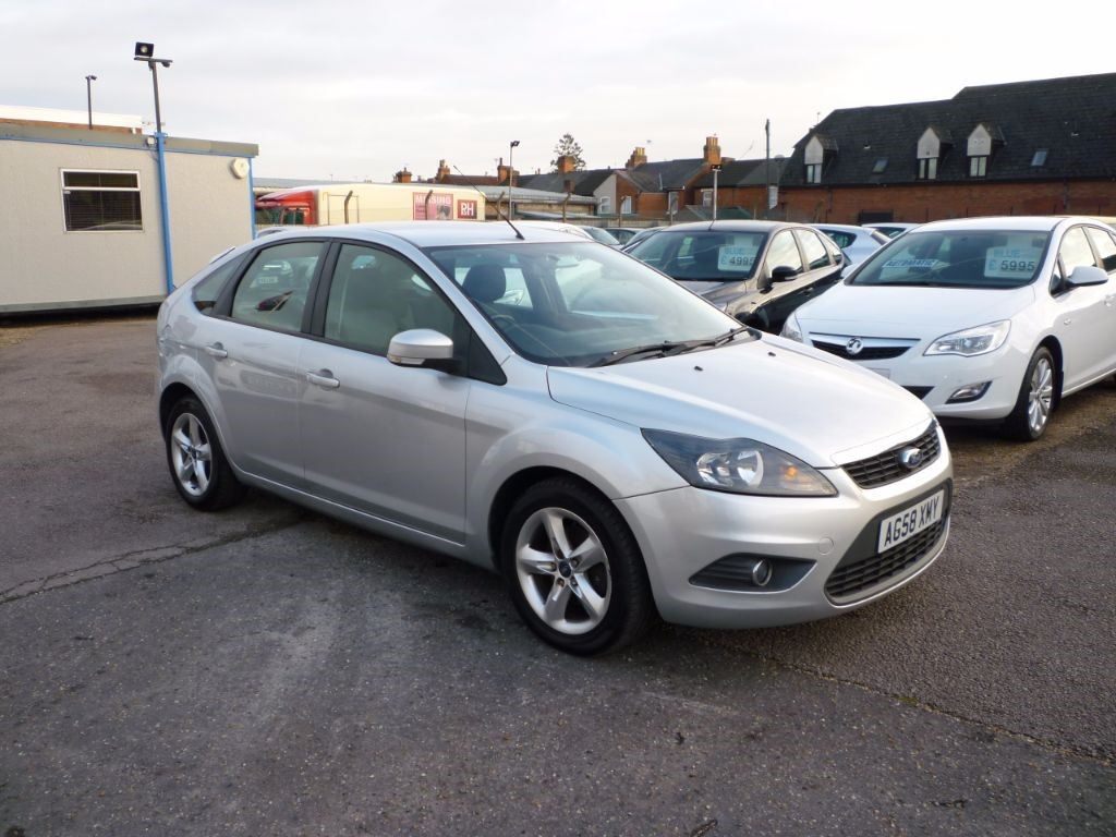 used Ford Focus 1.6 Zetec 5Dr Alloys  in in-colchester-and-essex