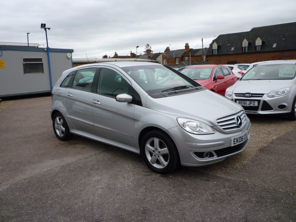 used Mercedes B170 1.7 SE 5Dr Alloys in in-colchester-and-essex