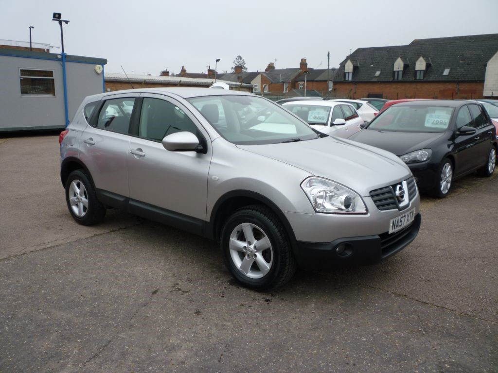 used Nissan Qashqai 1.6 Acenta 5Dr in in-colchester-and-essex