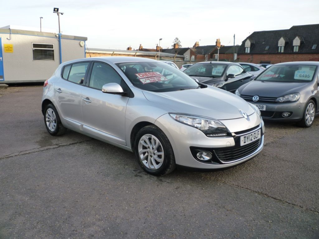 used Renault Megane 1.5 Dynamique Tom Tom DCI in in-colchester-and-essex