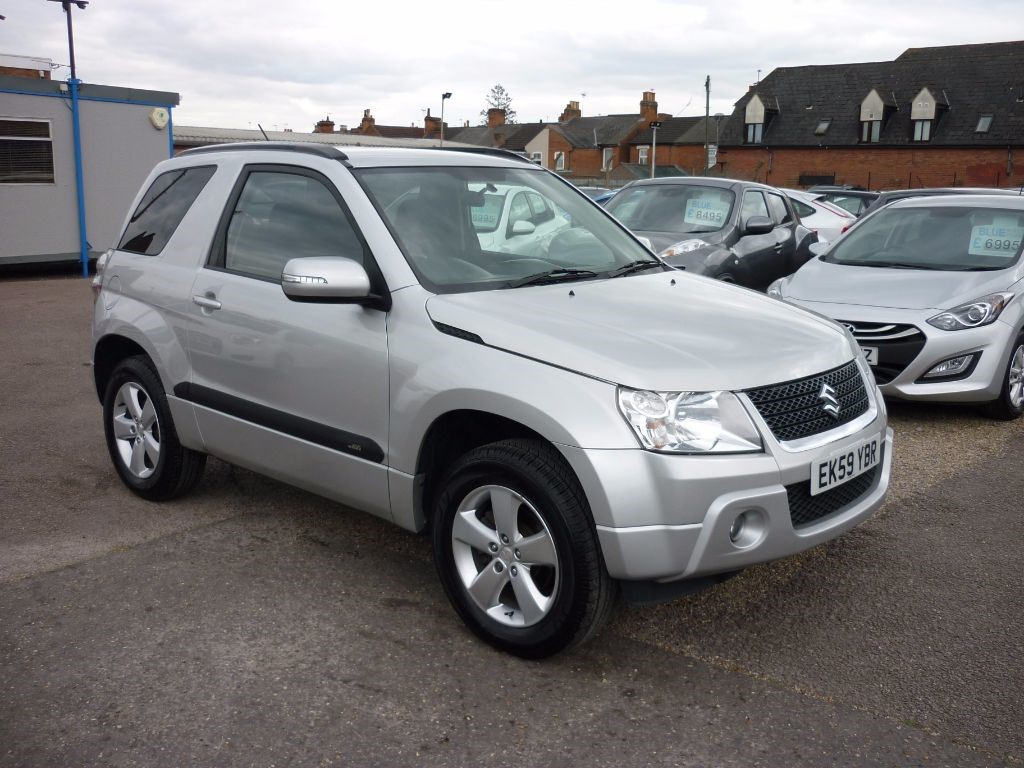 used Suzuki Grand Vitara 1.6 SZ4 3Dr Alloys in in-colchester