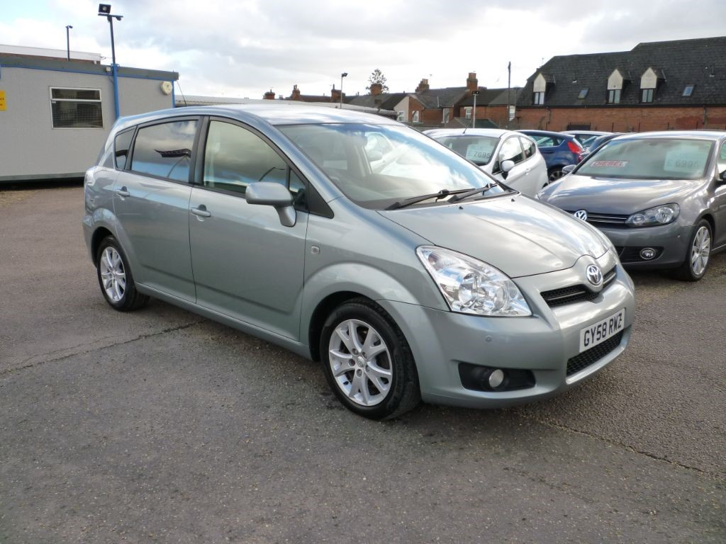 used Toyota Corolla Verso 2.2 SR D-4D 7 Seater in in-colchester-and-essex