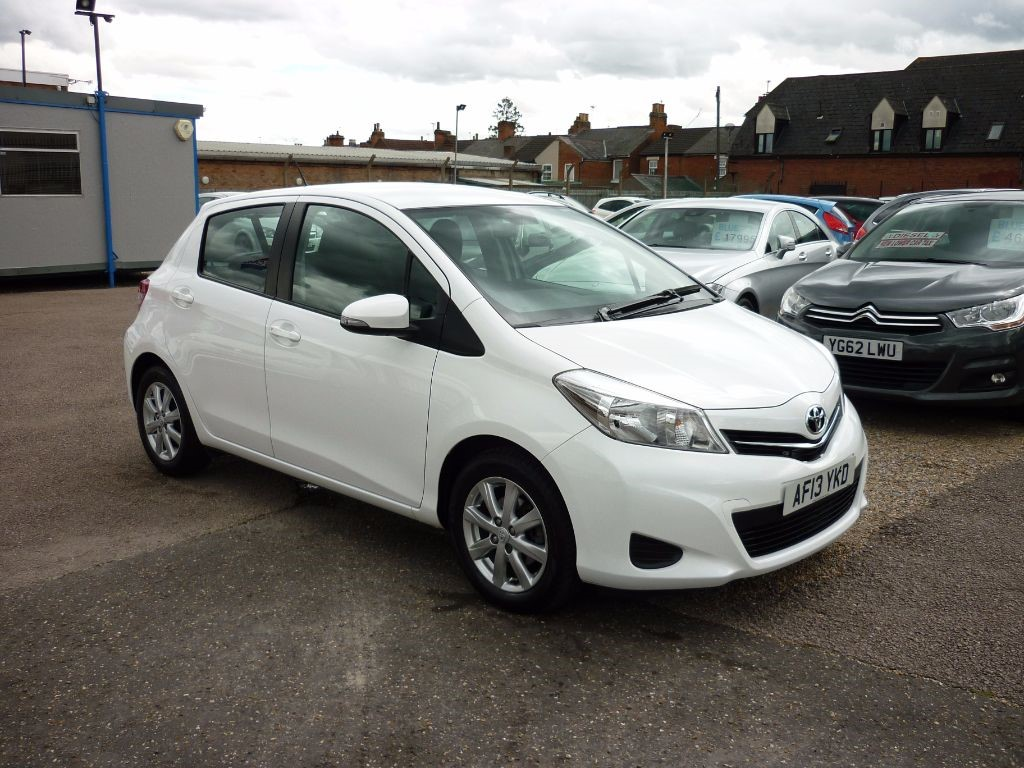 used Toyota Yaris 1.3 VVT-I TR White in in-colchester-and-essex
