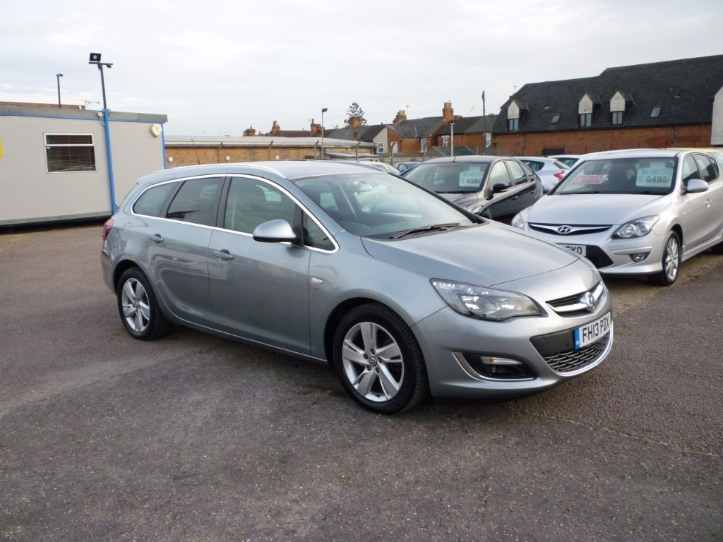 used Vauxhall Astra 1.7 SRI CDTI Ecoflex Estate in in-colchester-and-essex