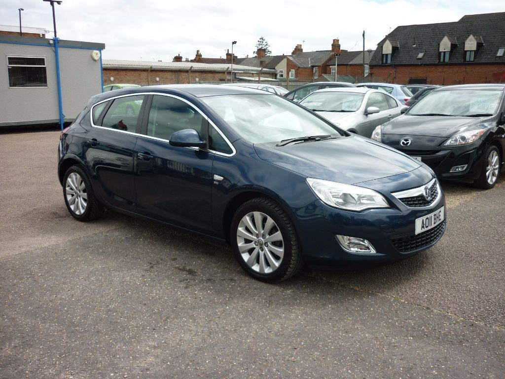 used Vauxhall Astra 1.6 SE 5Dr Automatic in in-colchester