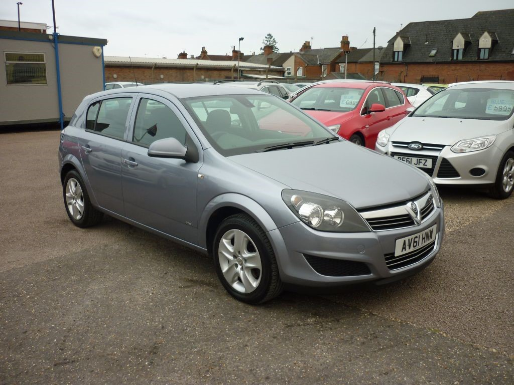 used Vauxhall Astra 1.6 Active 5Dr  in in-colchester-and-essex