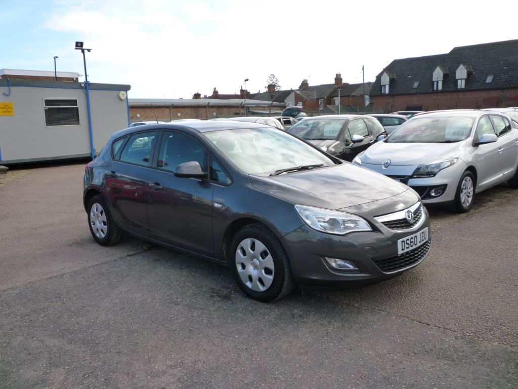 used Vauxhall Astra 1.4 Exclusiv 5Dr  in in-colchester-and-essex
