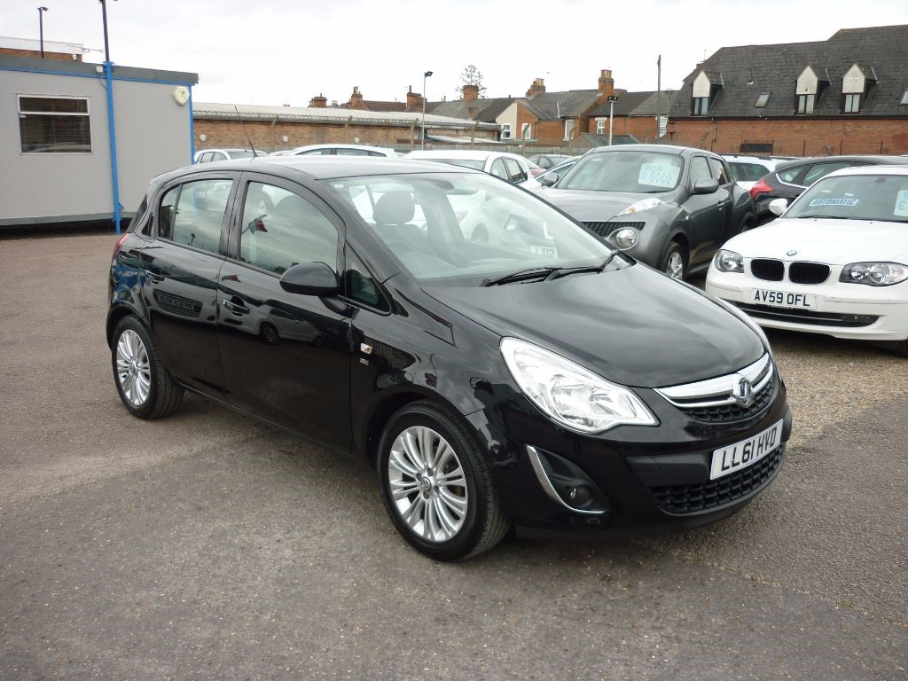 used Vauxhall Corsa 1.2 SE 5Dr Black in in-colchester