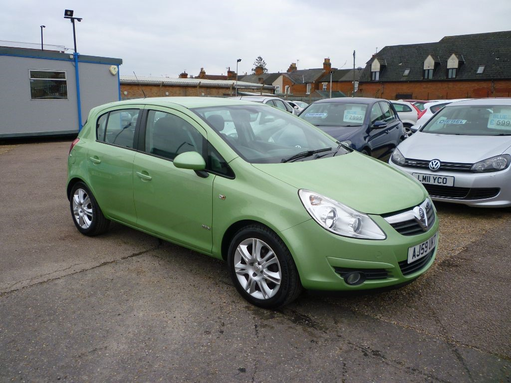 used Vauxhall Corsa 1.4 Design 16V Twinport Automatic in in-colchester-and-essex