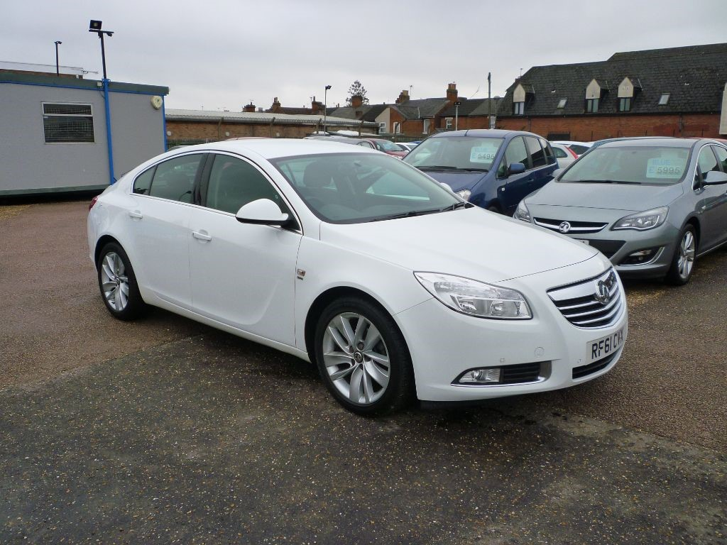 used Vauxhall Insignia 2.0 SRI NAV CDTI Low mileage in in-colchester-and-essex