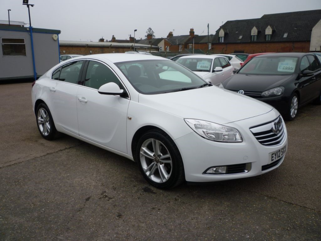 used Vauxhall Insignia 2.0 Exclusiv CDTI in in-colchester-and-essex