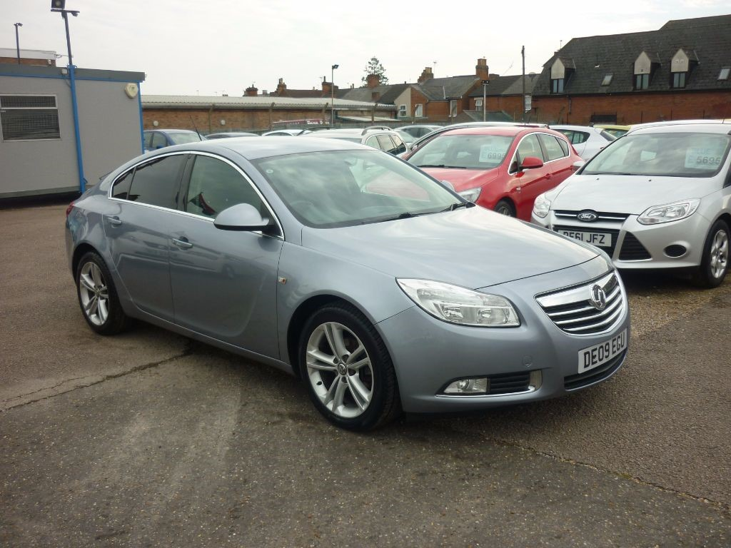 used Vauxhall Insignia 1.8 SRI 5Dr Alloys in in-colchester-and-essex