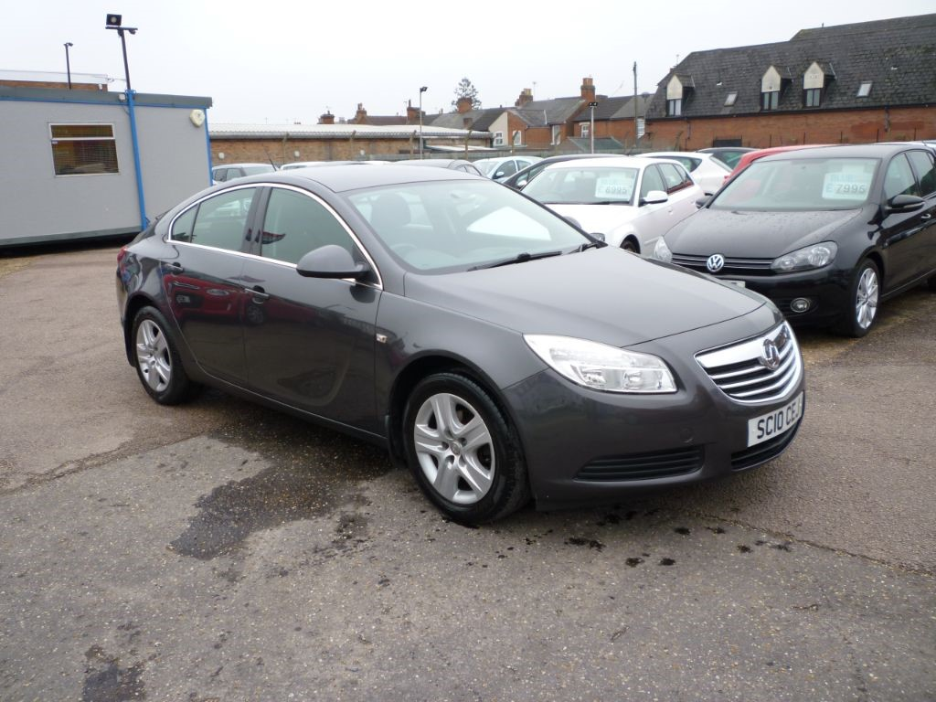 used Vauxhall Insignia 1.8 Exclusiv 5Dr  in in-colchester-and-essex