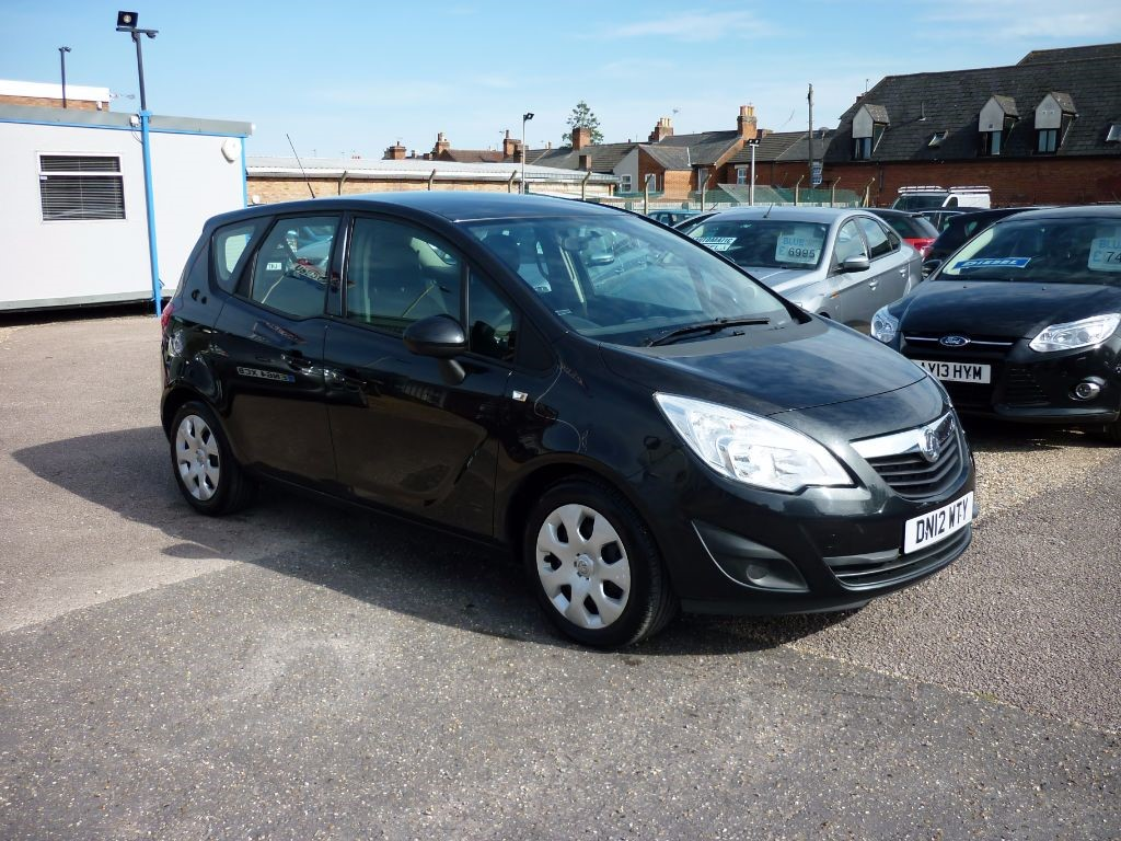 used Vauxhall Meriva Exclusiv A/C 5Dr in in-colchester