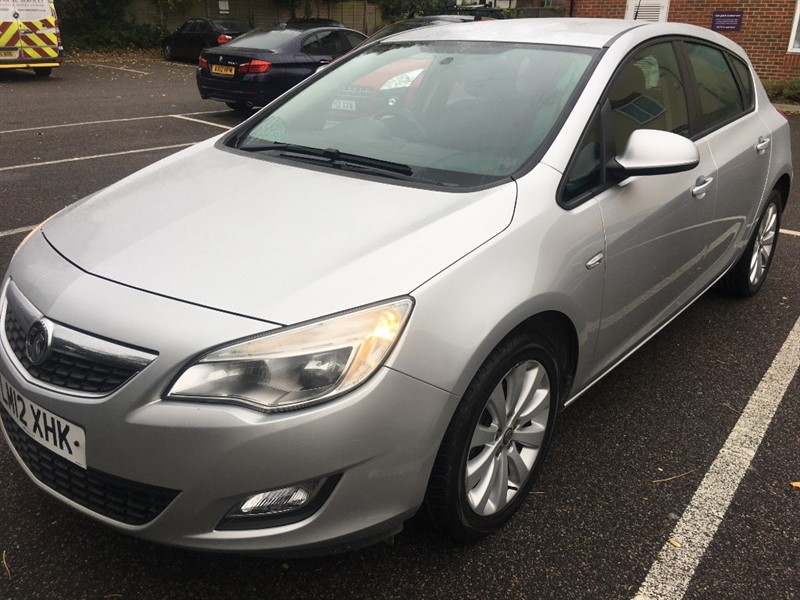 used Vauxhall Astra EXCLUSIV in rainham-kent
